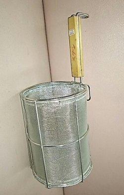 画像1: 手造り麺揚げカゴ(片手木柄付き)