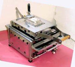 画像1: プレス式 業務用 ガス いか焼機 卓上式